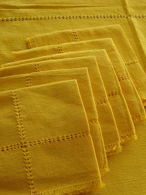 MEXICAN TEXTILES / Cotton Tablecloth with napkins Solid Yellow 78'' Round (6 people)